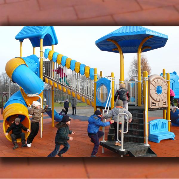 Plac zabaw w sochaczewie przy szostce