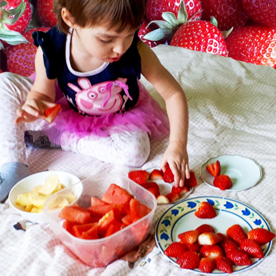 jak zachęcić dzieci do jedzenia owoców