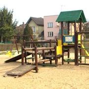 Small plac zabaw dla dzieci w lomzy
