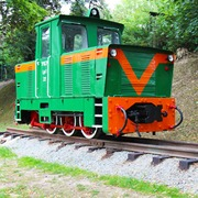 Small pomnik kolei waskotorowej atrakcje dla dzieci w trzebnicy
