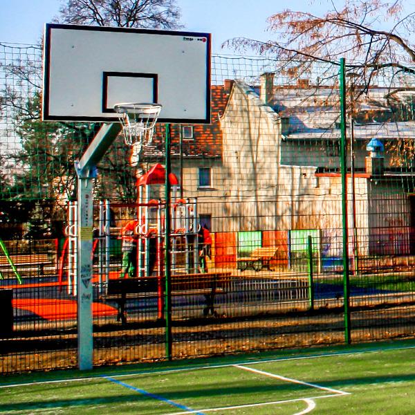 Kompleks sportowy dla dzieci gliwice labedy