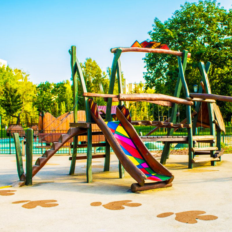 Plac zabaw olowek park jurajski w warszawie