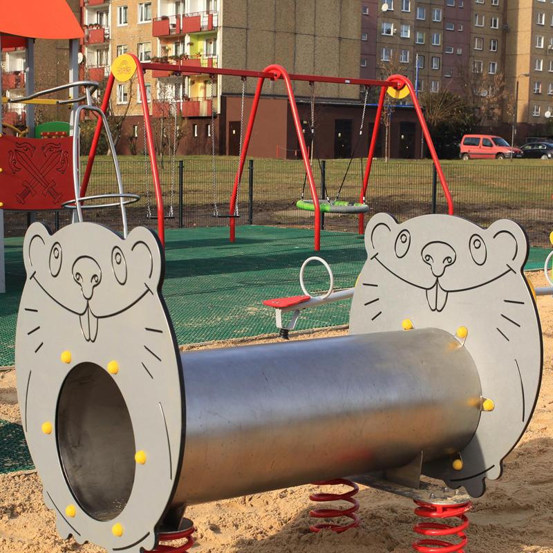 Plac zabaw dla dzieci plac papieski sosnowiec klimontow