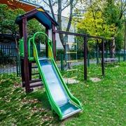 Small plac zabaw dla dzieci krakow pradnik bialy