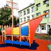 Small plac zabaw dla dzieci statek gorenice