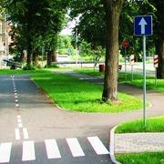 Small ilawa miasteczko ruchu drogowego dla dzieci