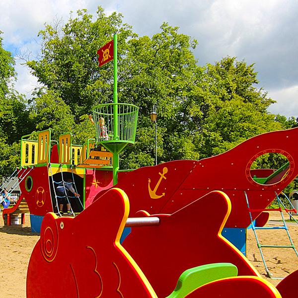Plac zabaw zgierz park tadeusza kosciuszki