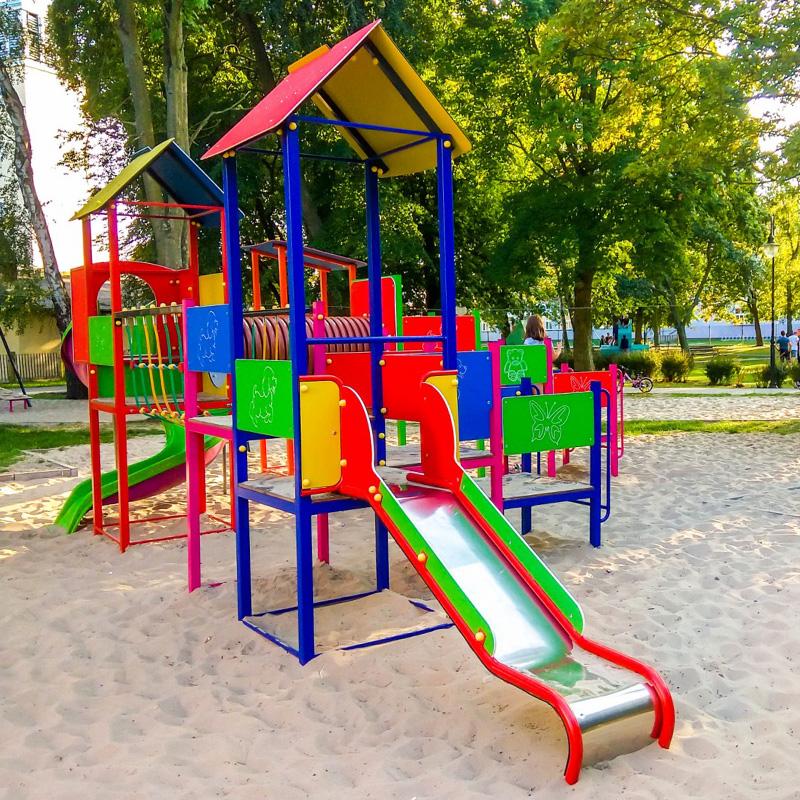 Plac zabaw dla dzieci na helu