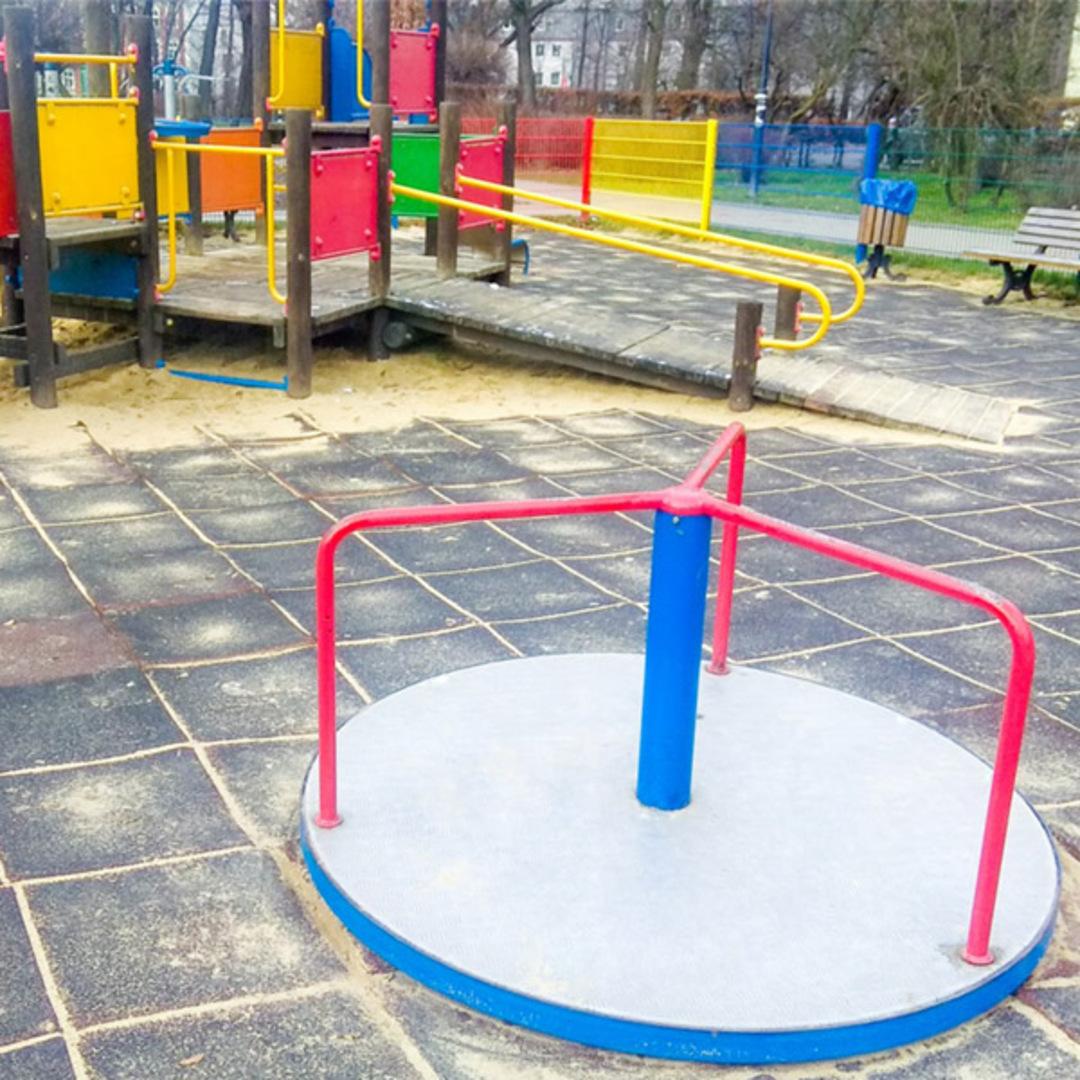 Plac zabaw dla dzieci skwer nacka gliwice
