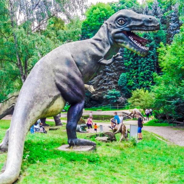 Park dinozaur w