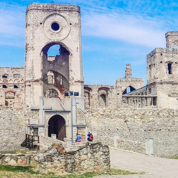 Zamek krzyztopor w ujezdzie