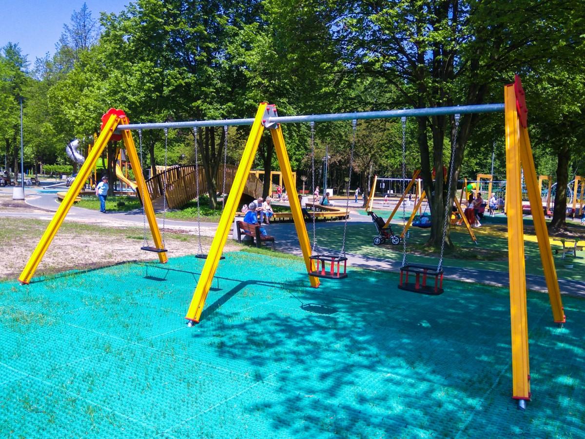 plac zabaw ogród jordanowski w Kazimierzu Górniczym w Sosnowiecu zdjęcie 5