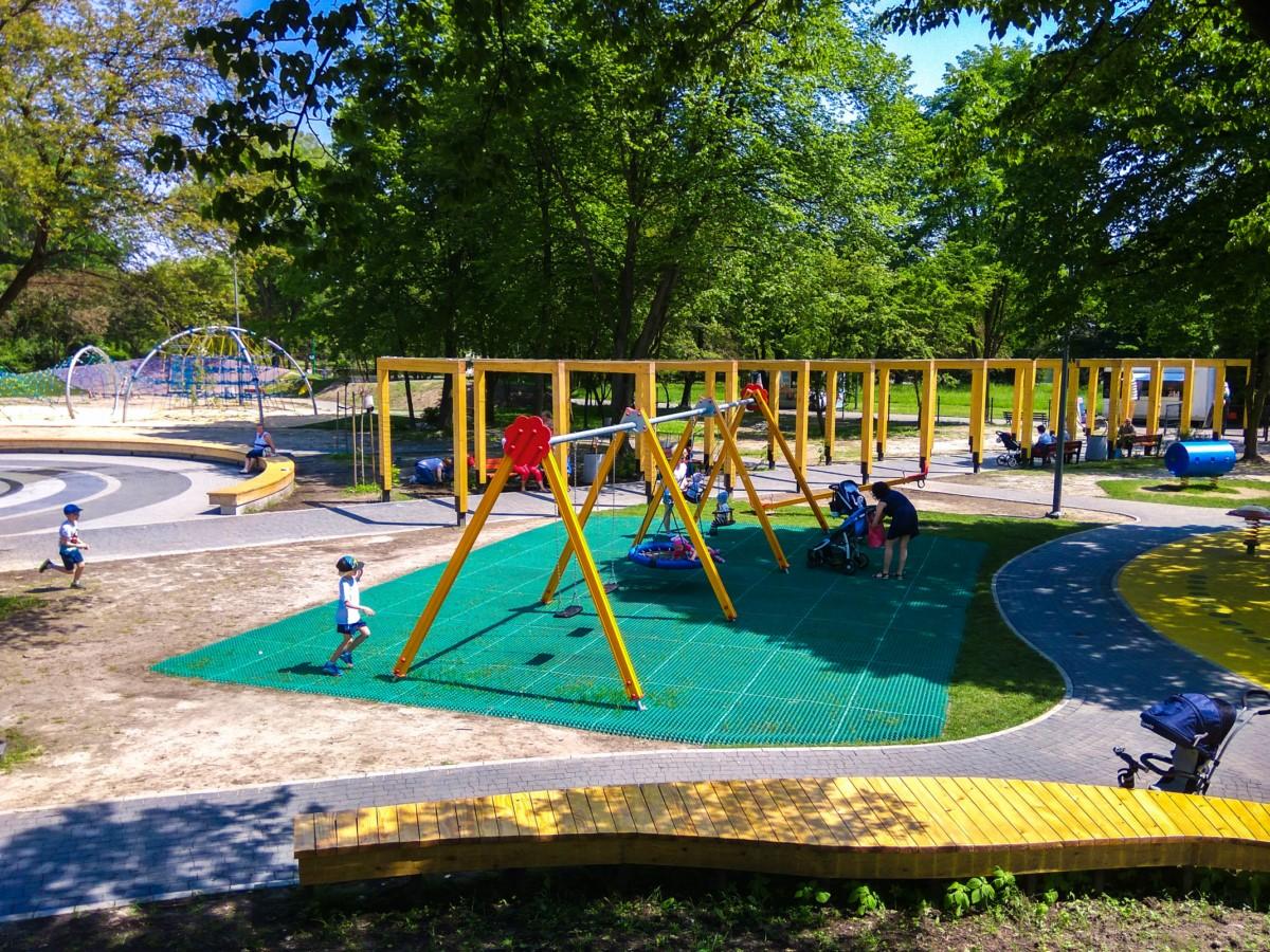 plac zabaw ogród jordanowski w Kazimierzu Górniczym w Sosnowiecu zdjęcie 2