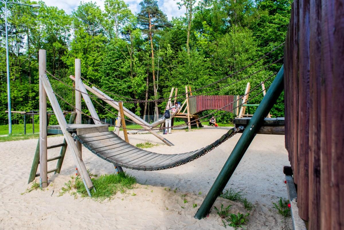 plac zabaw dla dzieci na błoniach Bielsko-Biała zdjęcie 5