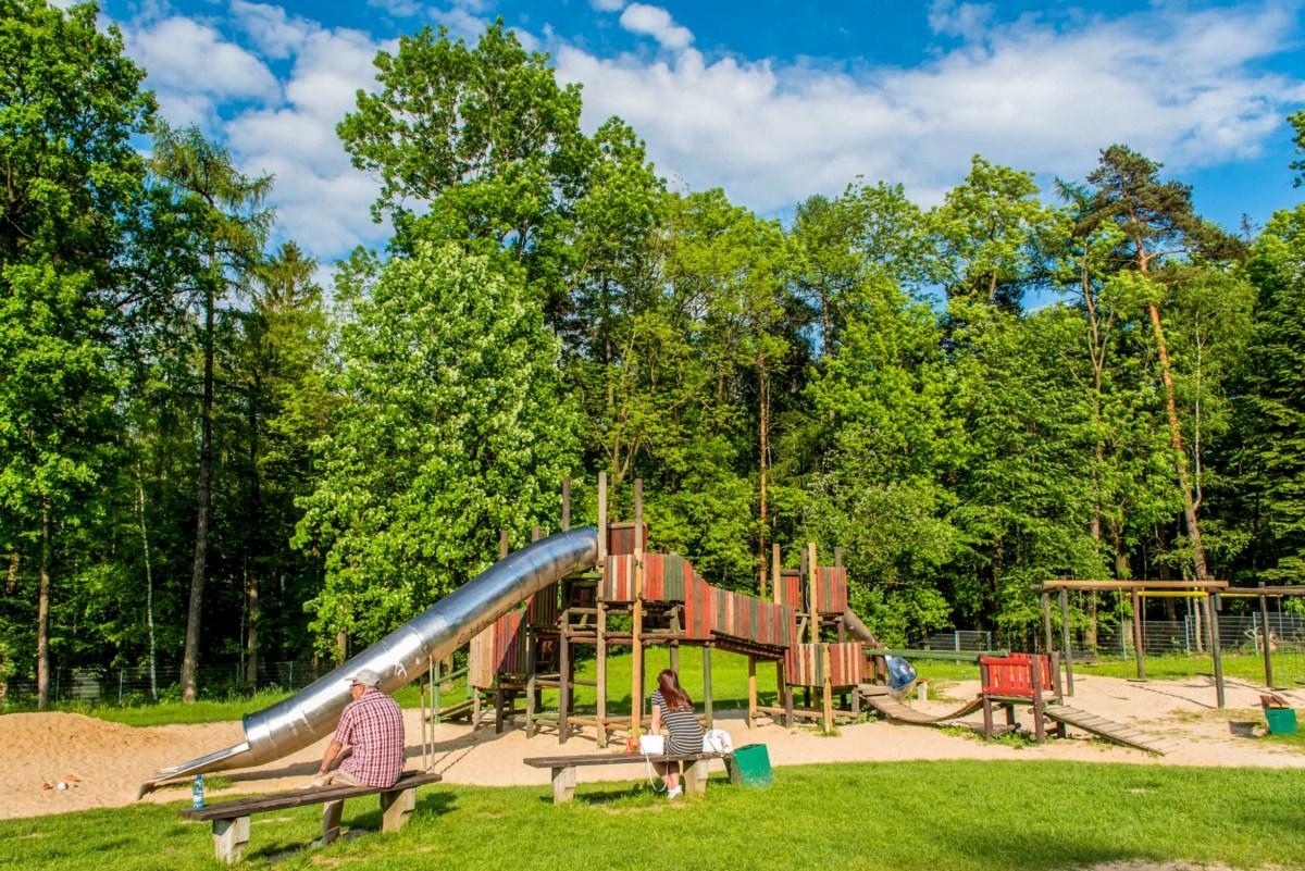 plac zabaw dla dzieci na błoniach Bielsko-Biała zdjęcie 1