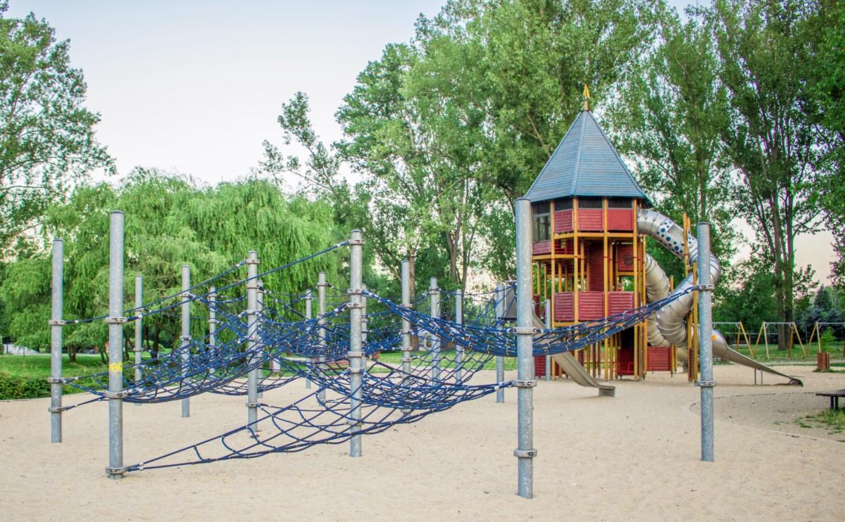 Plac zabaw dla dzieci Park Kępa Potocka Warszawa zdjęcie 1