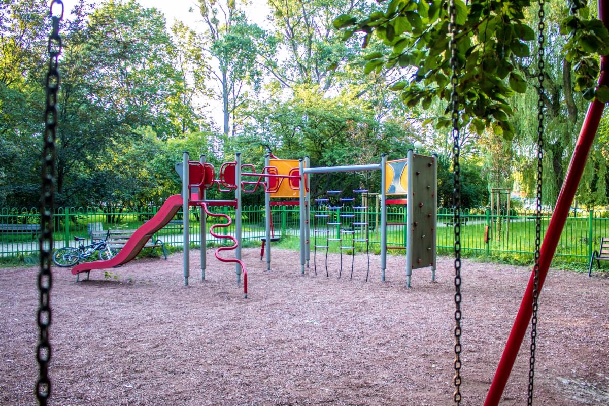 plac zabaw dla dzieci Warszawa Park Wielkopolski zdjęcie 5