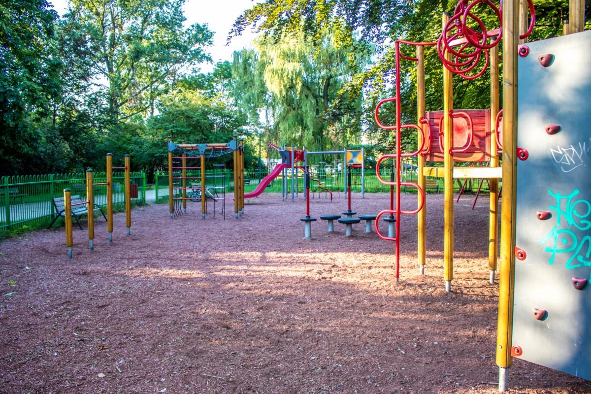plac zabaw dla dzieci Warszawa Park Wielkopolski zdjęcie 3