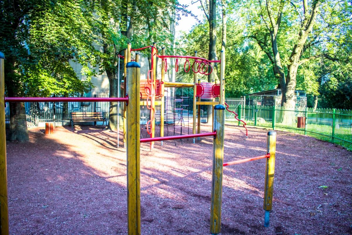plac zabaw dla dzieci Warszawa Park Wielkopolski zdjęcie 1