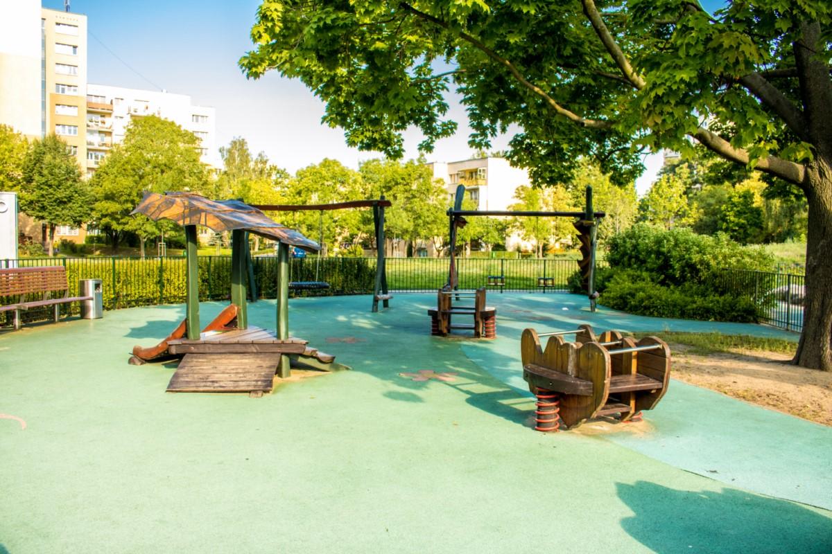 plac zabaw olkówek park jurajski warszawa Ursynów  zdjęcie 6