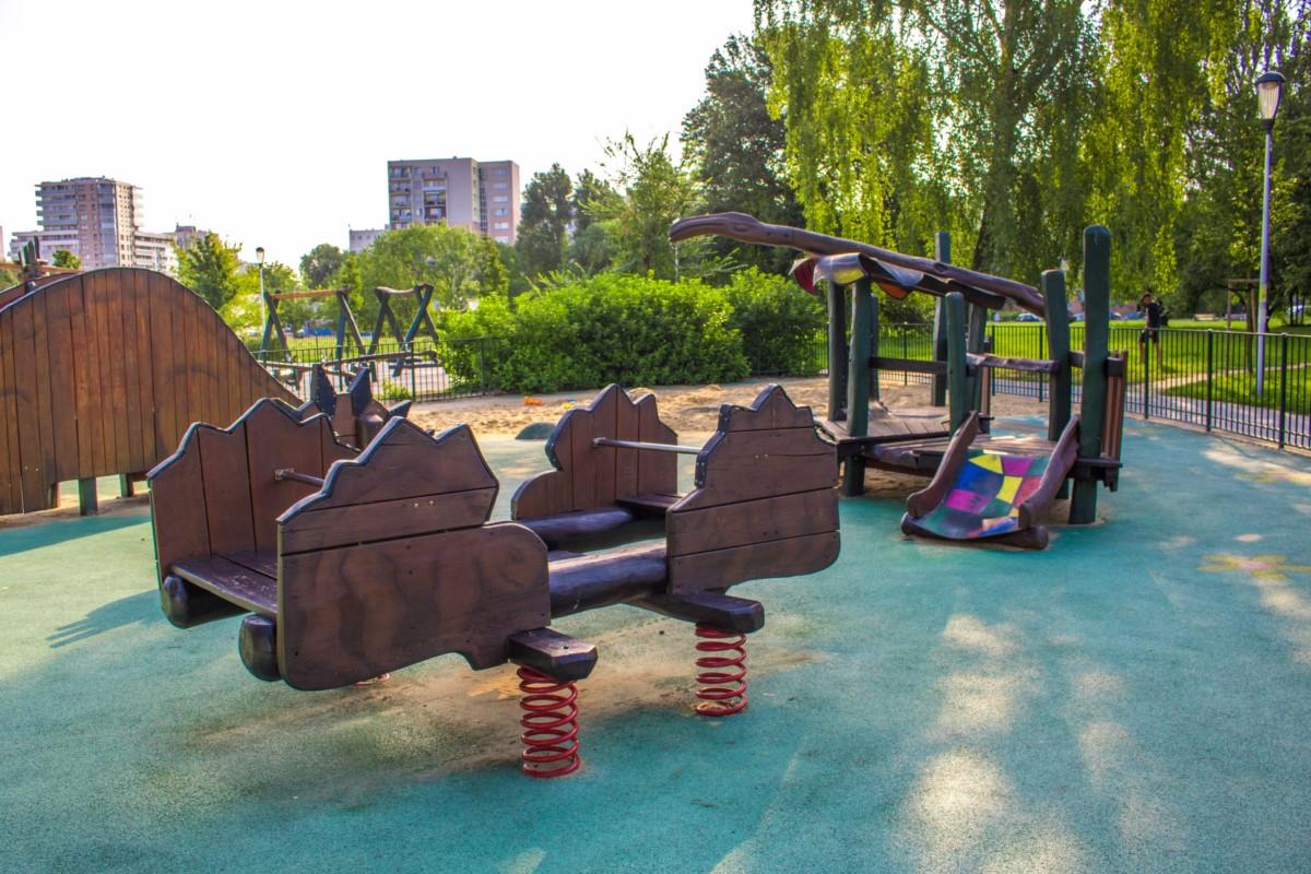 plac zabaw olkówek park jurajski warszawa Ursynów  zdjęcie 5