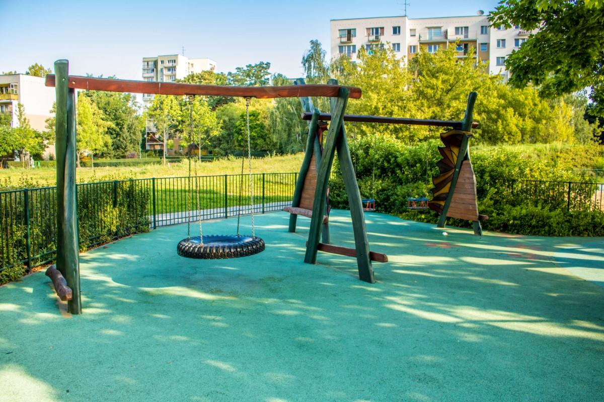 plac zabaw olkówek park jurajski warszawa Ursynów  zdjęcie 4
