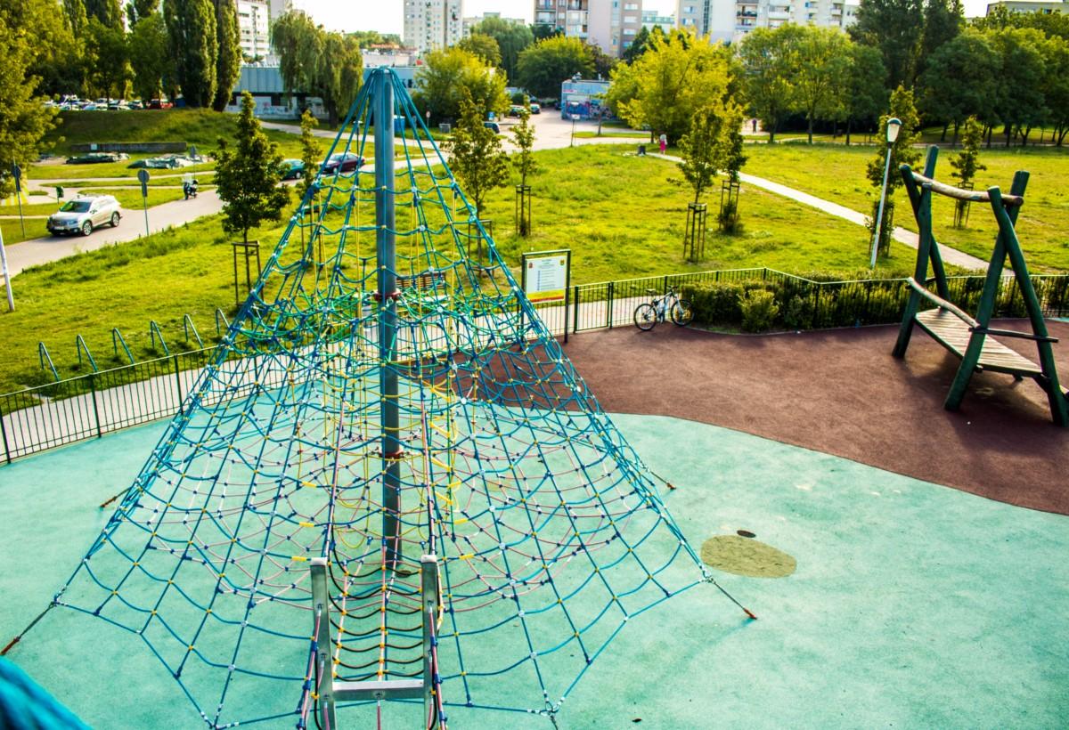 plac zabaw olkówek park jurajski warszawa Ursynów  zdjęcie 2