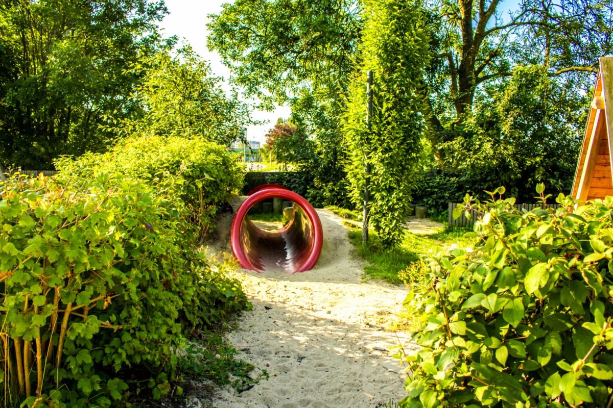 Plac Zabawy dla dzieci przy Służewskim Domu Kultury SDK Mokotów Warszawa zdjęcie 4