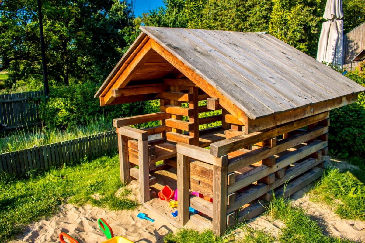 Plac Zabawy dla dzieci przy Służewskim Domu Kultury SDK Mokotów Warszawa zdjęcie 1