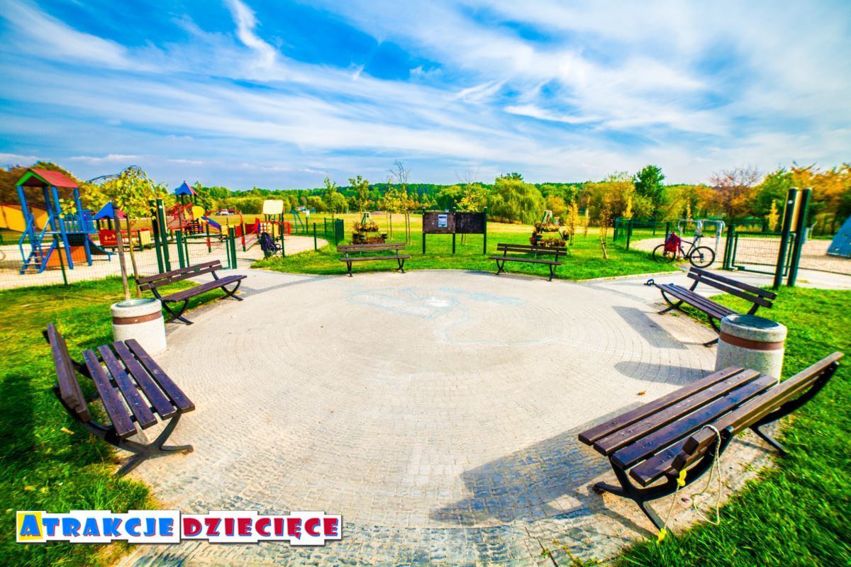 Plac zabaw dla dzieci Katowice Dolina 3 Stawów zdjęcie 8