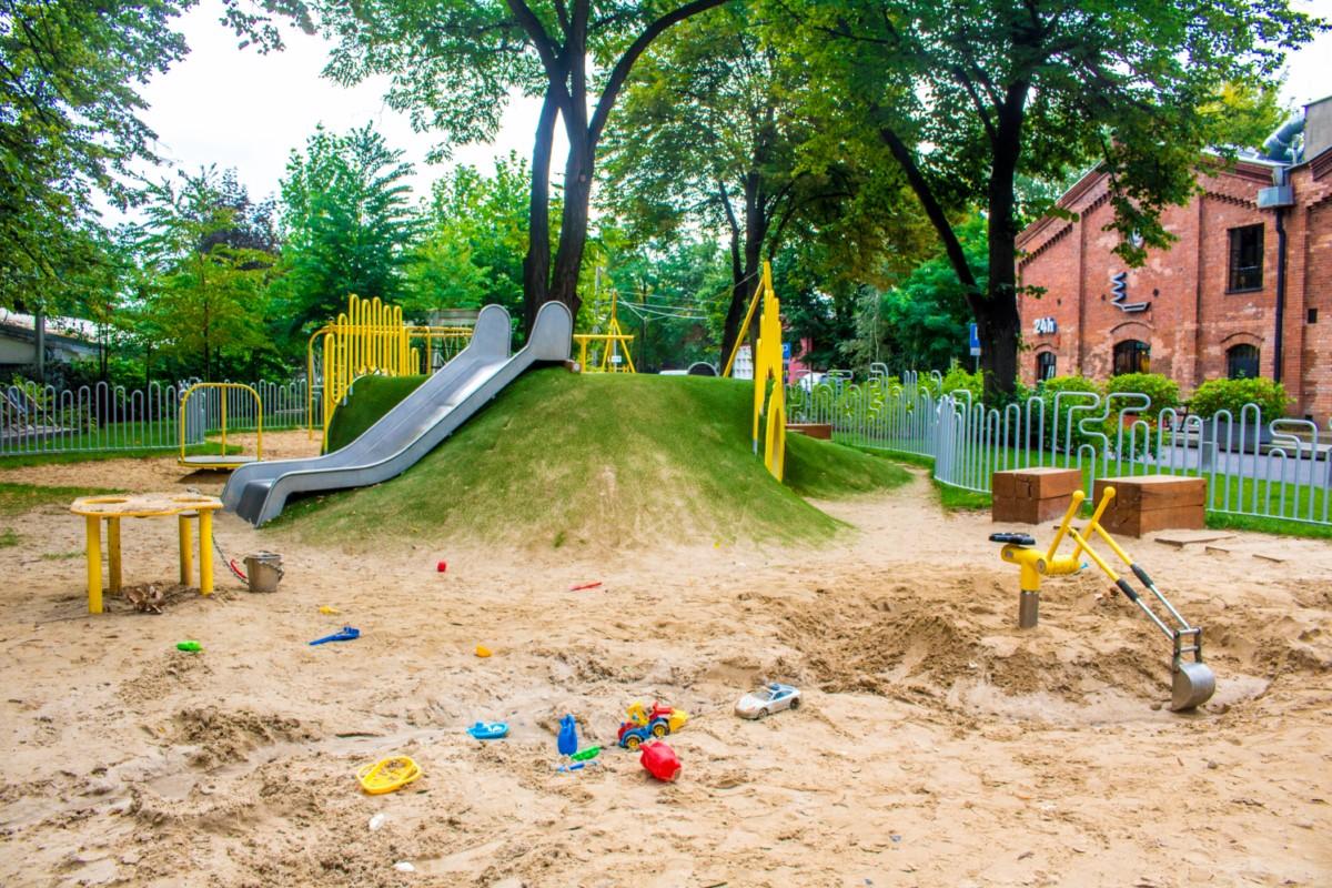 plac zabaw dla dzieci w fabryce soho w warszawie  zdjęcie 2