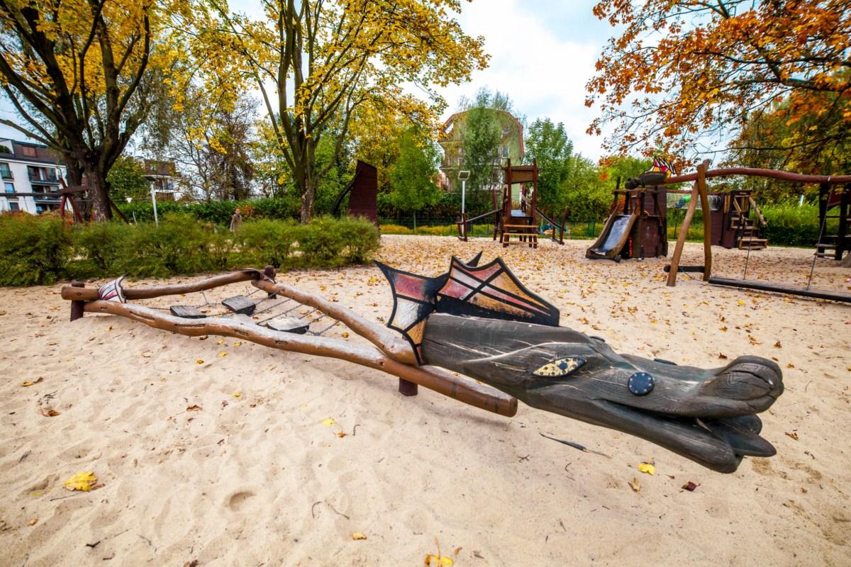 Smoczy plac zabaw dla dzieci Kraków park Zaczarowanej Dorożki zdjęcie 10