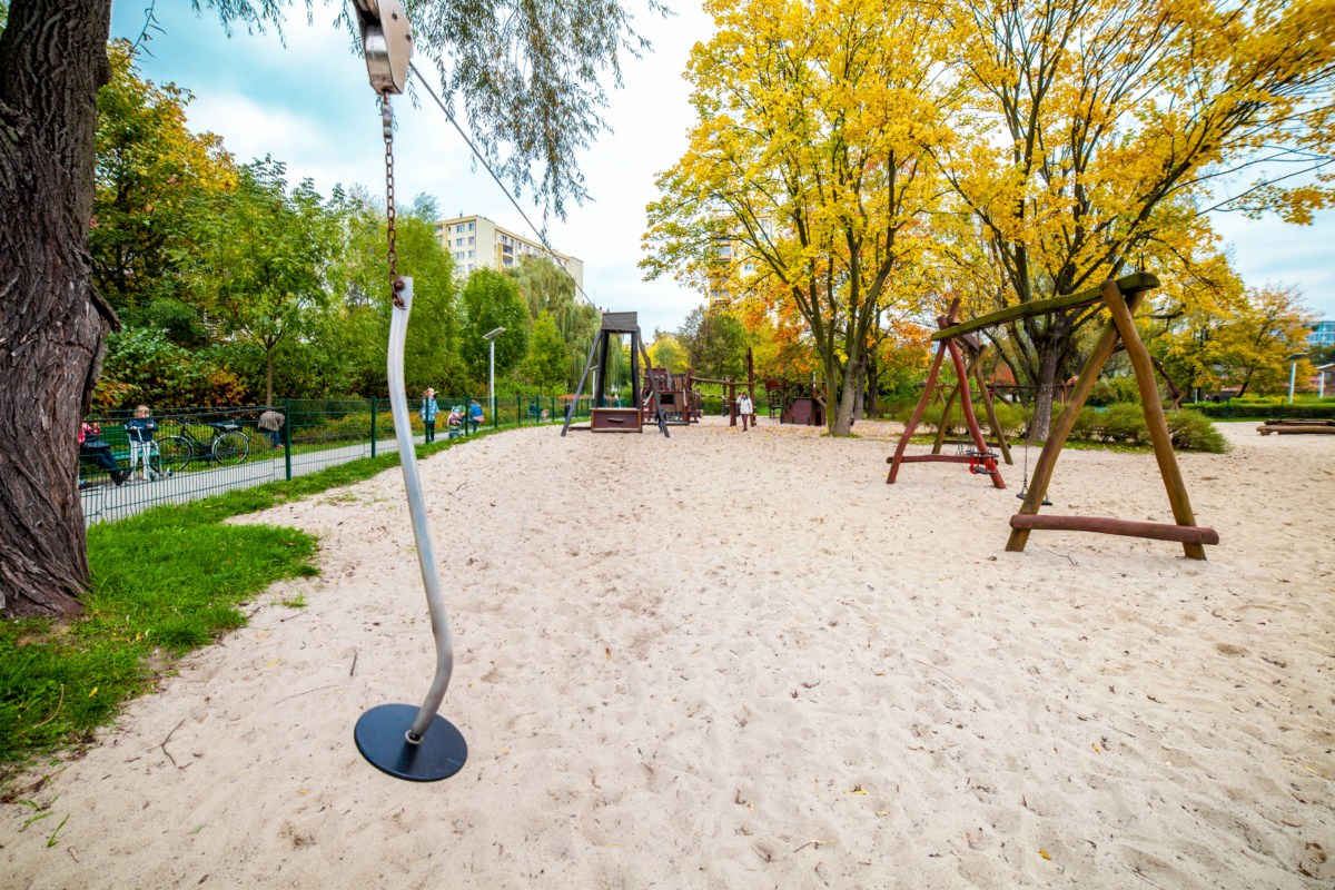 Smoczy plac zabaw dla dzieci Kraków park Zaczarowanej Dorożki zdjęcie 7