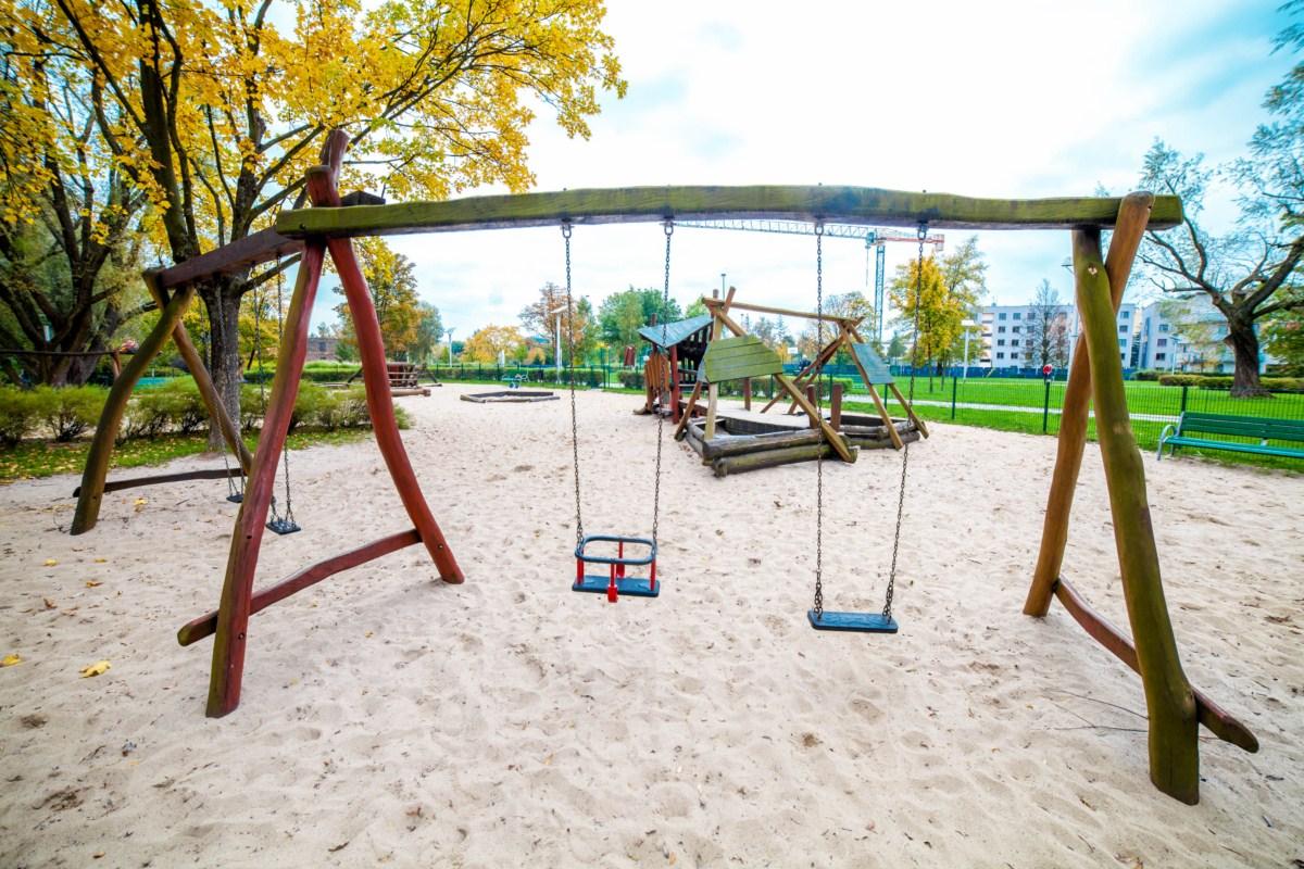 Smoczy plac zabaw dla dzieci Kraków park Zaczarowanej Dorożki zdjęcie 6