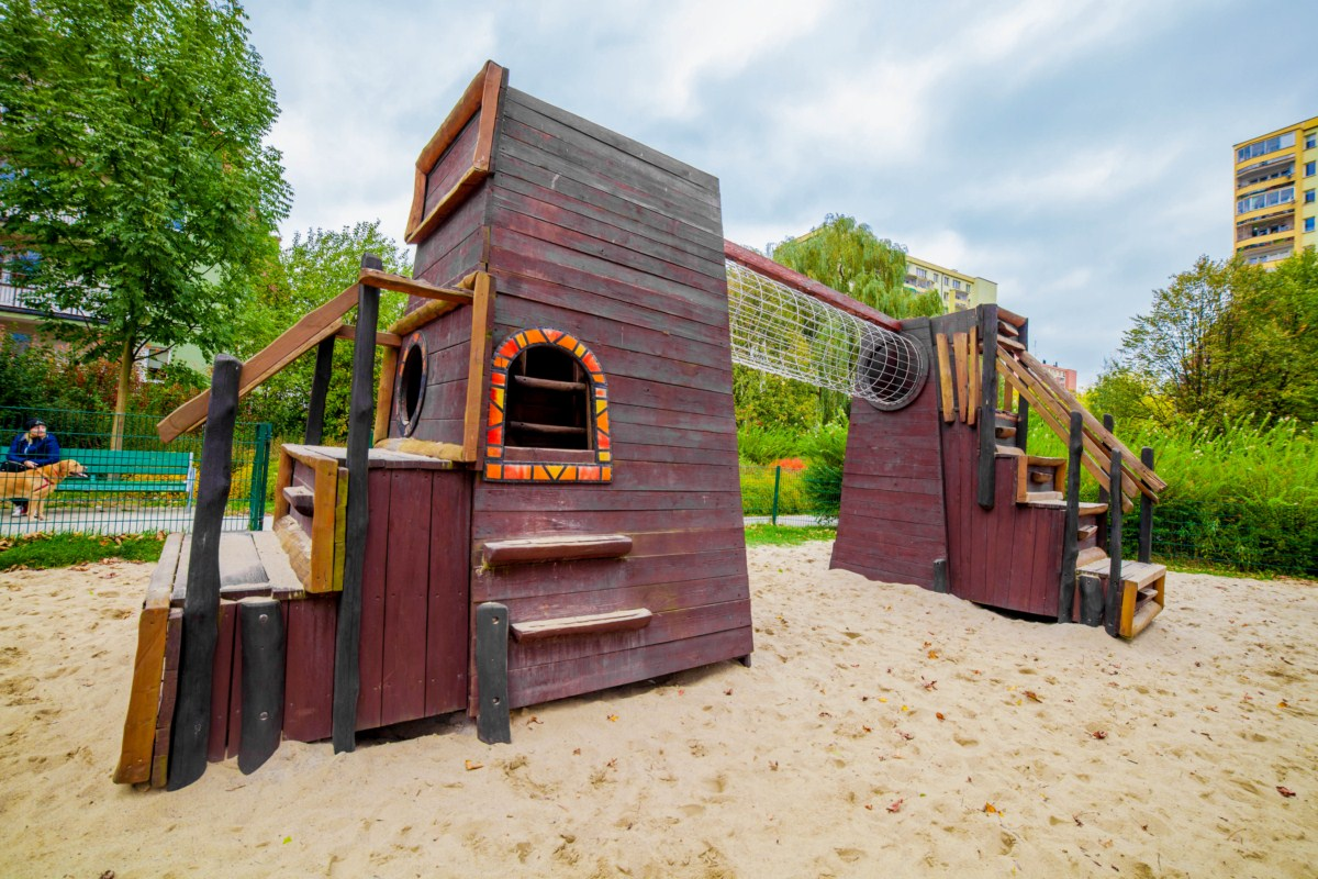 Smoczy plac zabaw dla dzieci Kraków park Zaczarowanej Dorożki zdjęcie 5