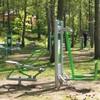 Plac zabaw i siłownia przy jeziorze Płotki