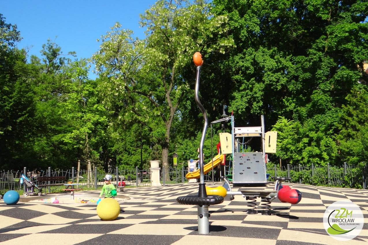 Plac zabaw Ogród Staromiejski we Wrocławiu zdjęcie 2