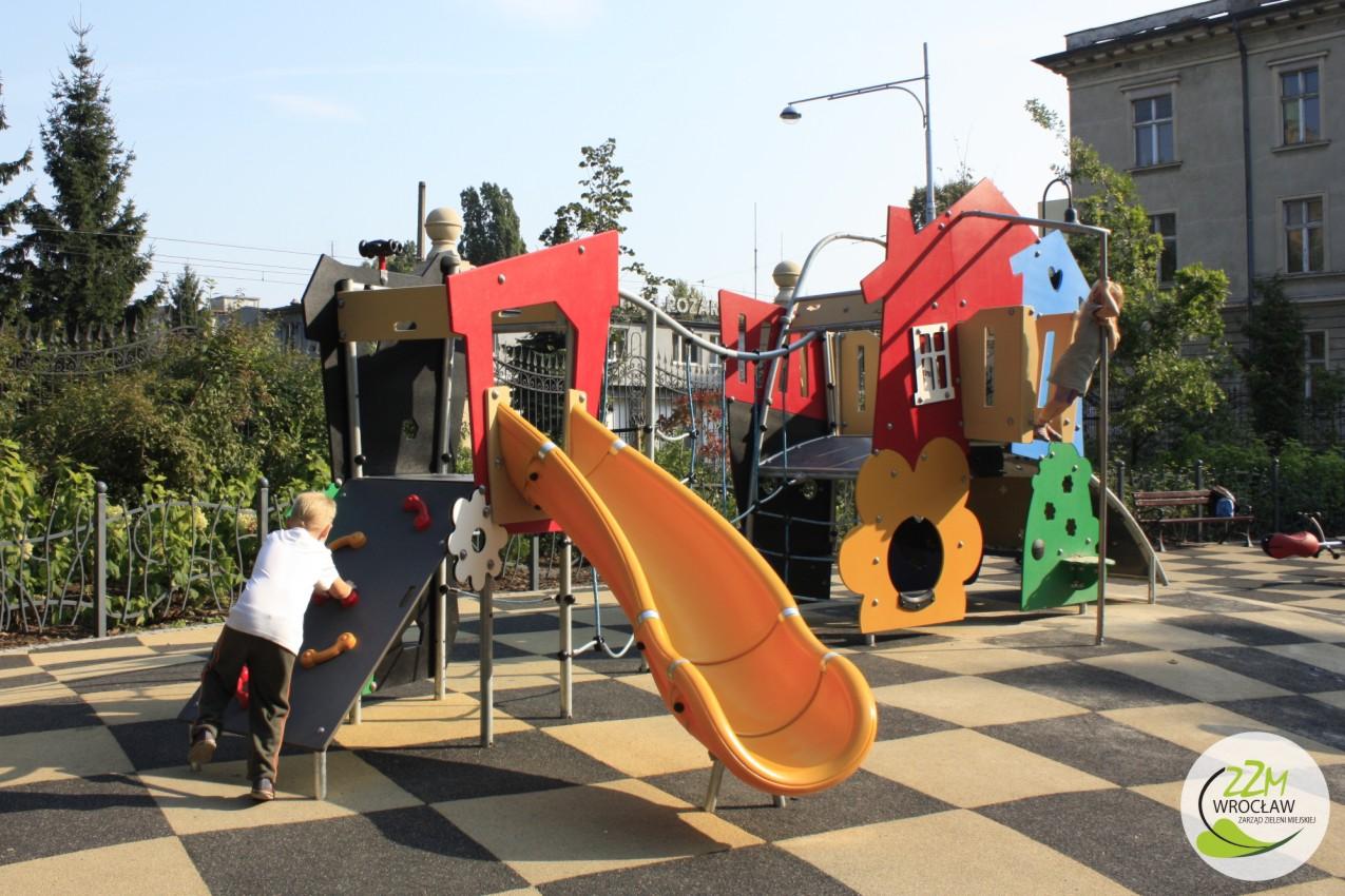 Plac zabaw Ogród Staromiejski we Wrocławiu zdjęcie 1