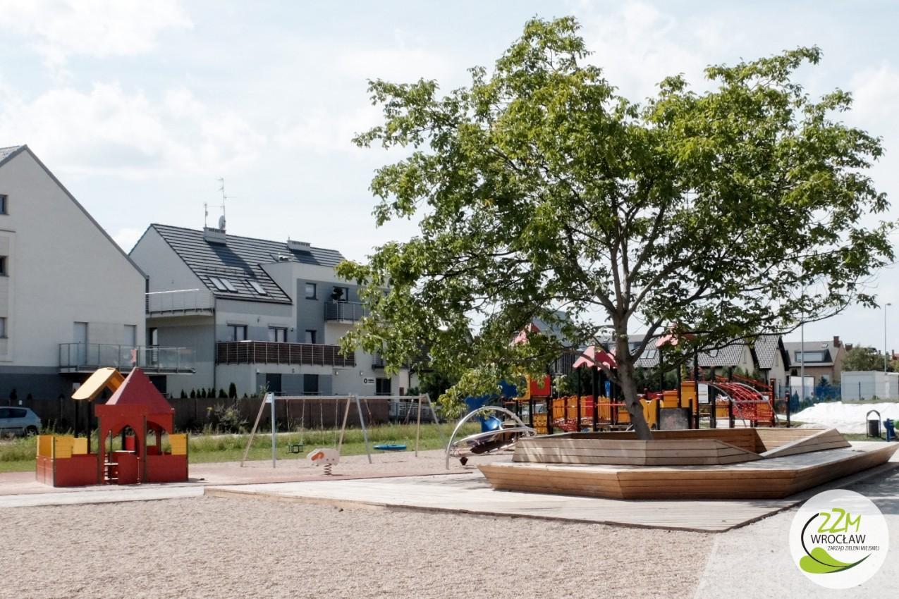 Plac zabaw Wrocław ul. Ułańska zdjęcie 2