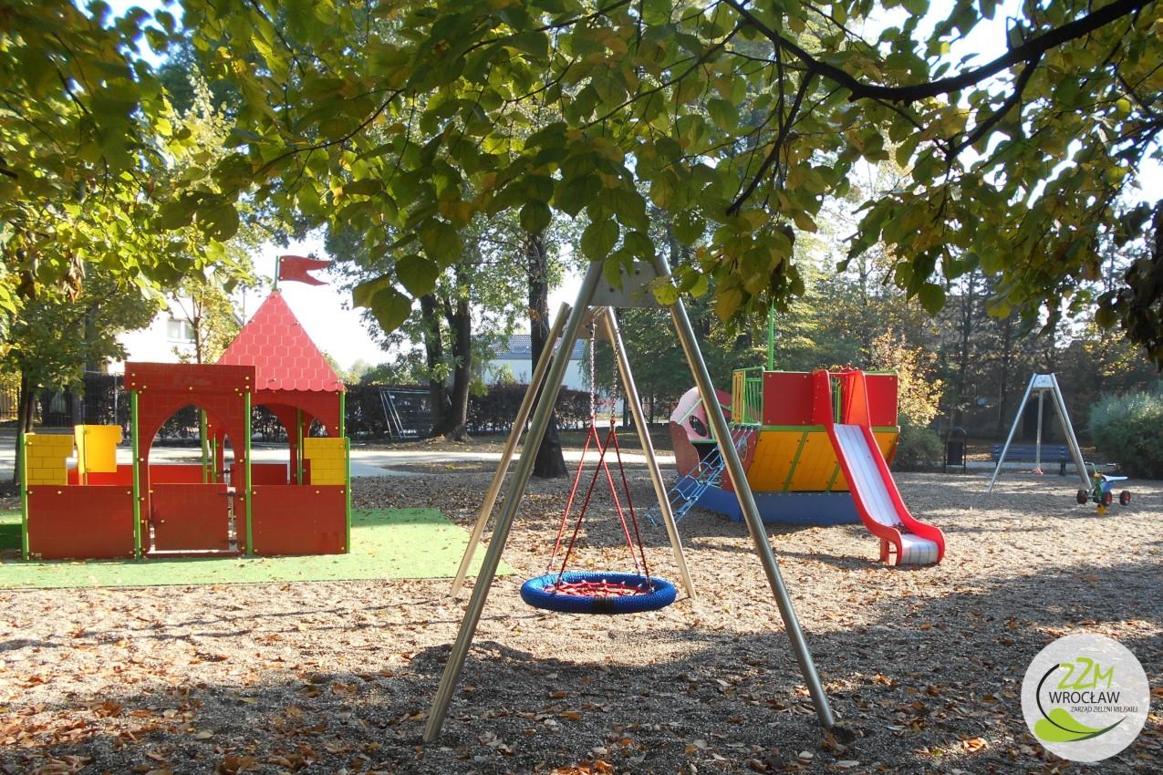 Plac zabaw Wrocław Park Strachociński  zdjęcie 1