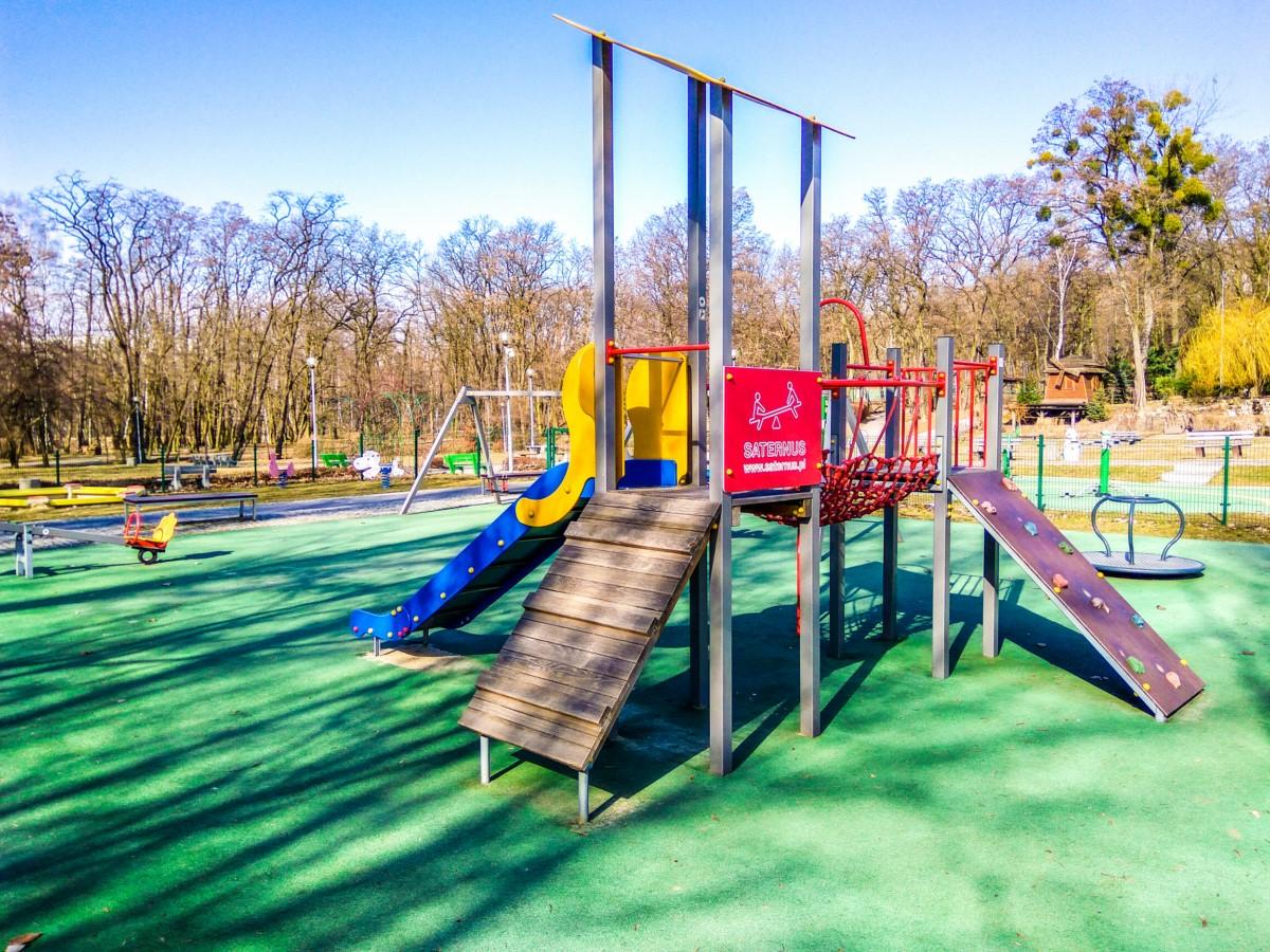 Plac zabaw Ruda Śląska Park Strzelnica zdjęcie 4