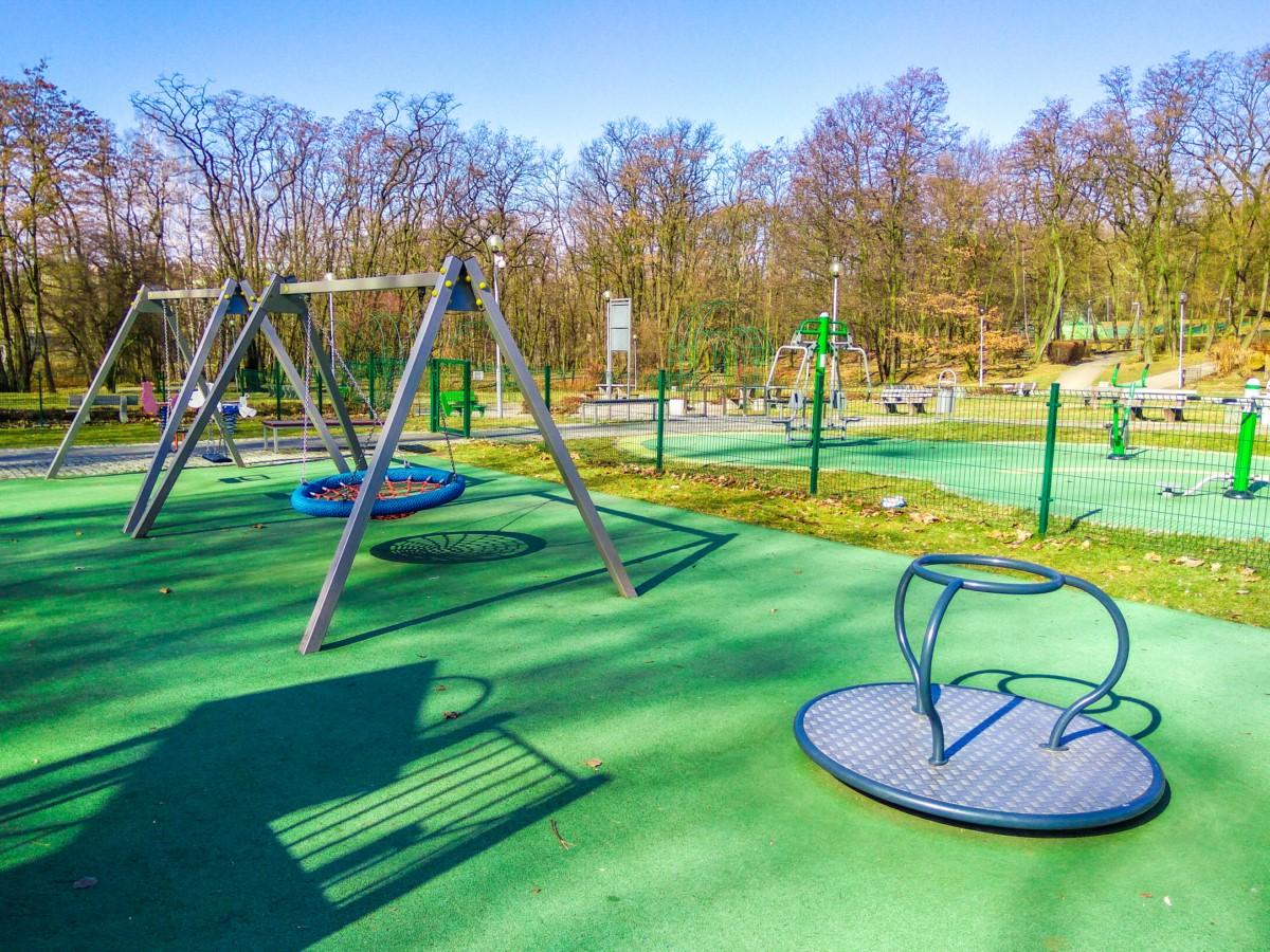 Plac zabaw Ruda Śląska Park Strzelnica zdjęcie 1