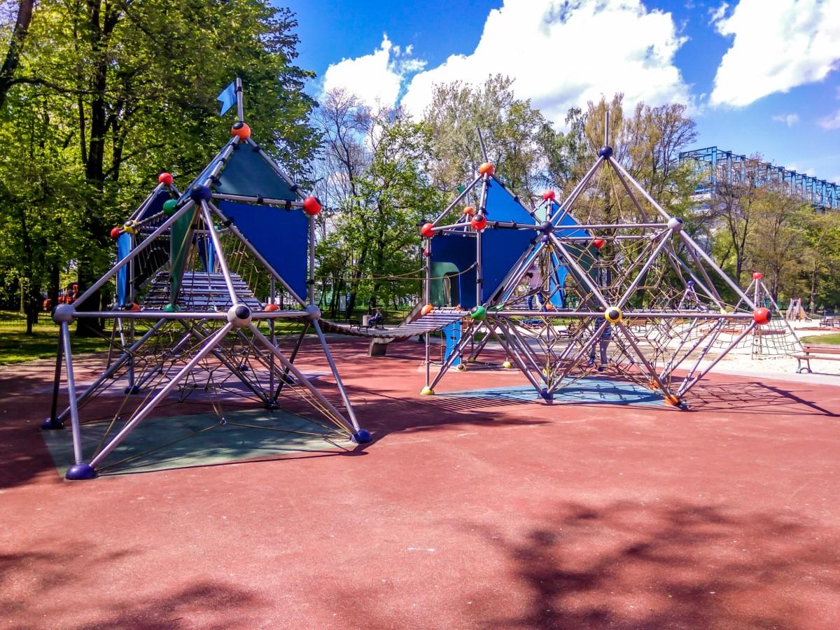 plac zabaw dla dzieci w parku jordana w krakowie zdjęcie 2