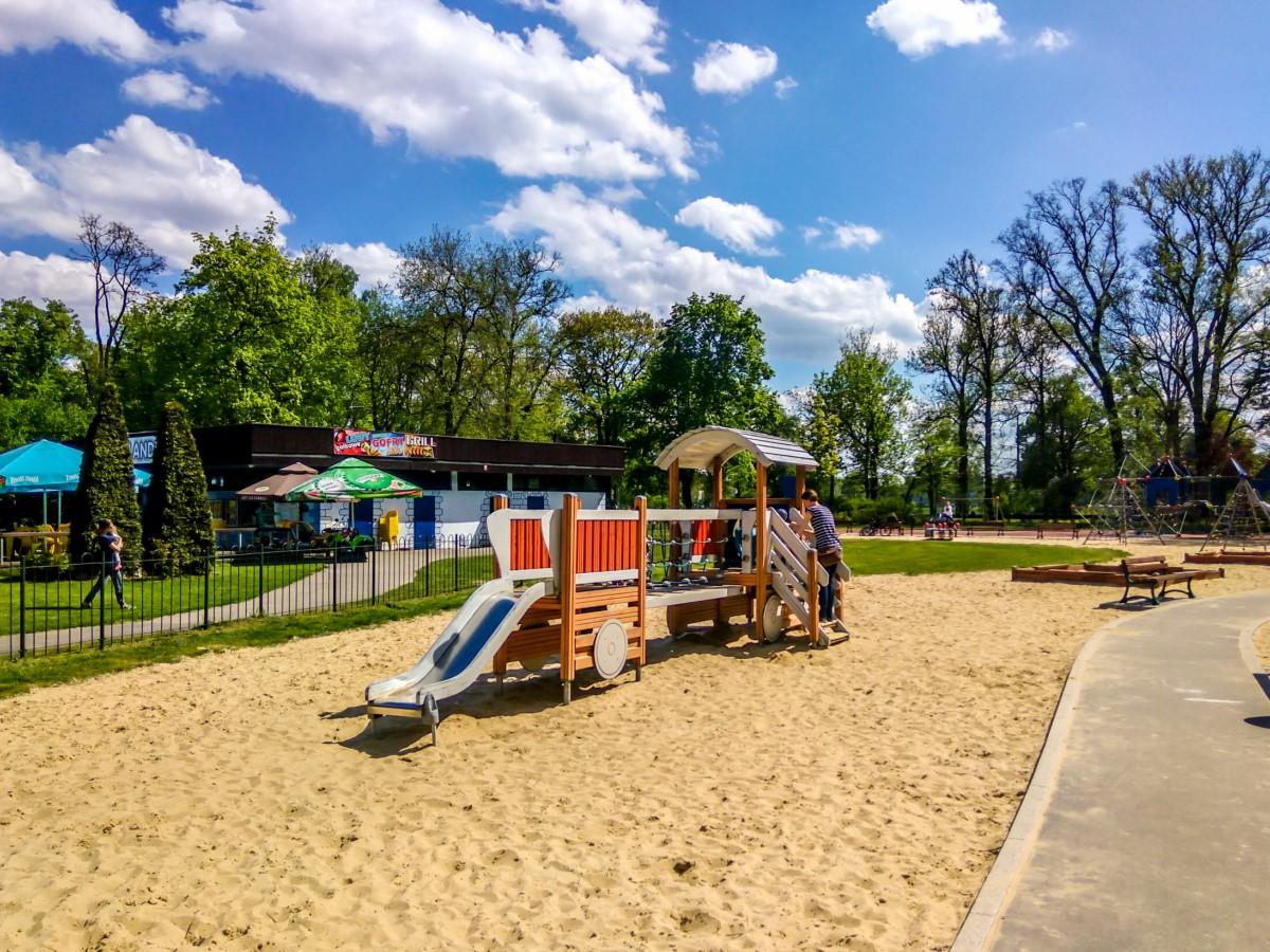 plac zabaw dla dzieci w parku jordana w krakowie zdjęcie 8