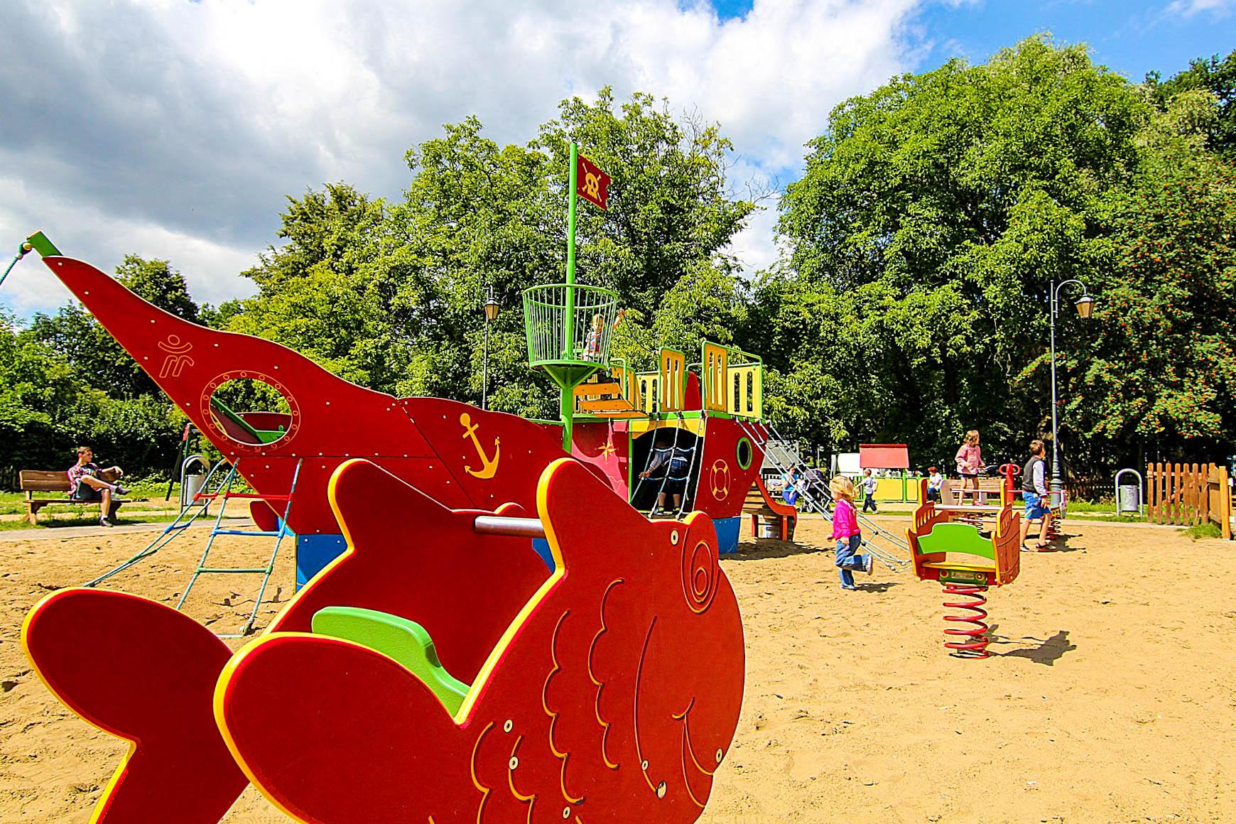plac zabaw dla dzieci Zgierz park Tadeusza Kościuszki