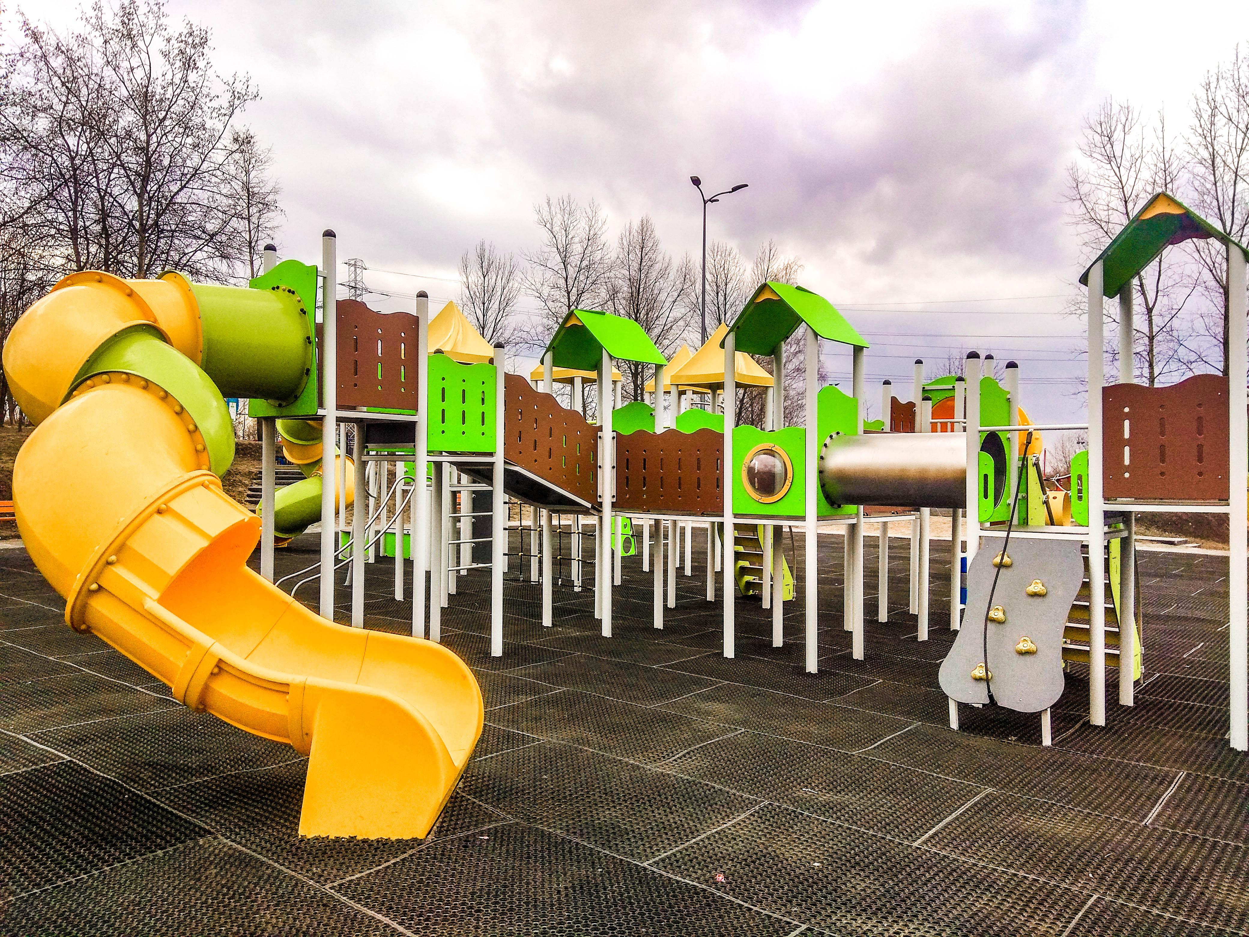 plac zabaw dla dzieci sosnowiec park środula