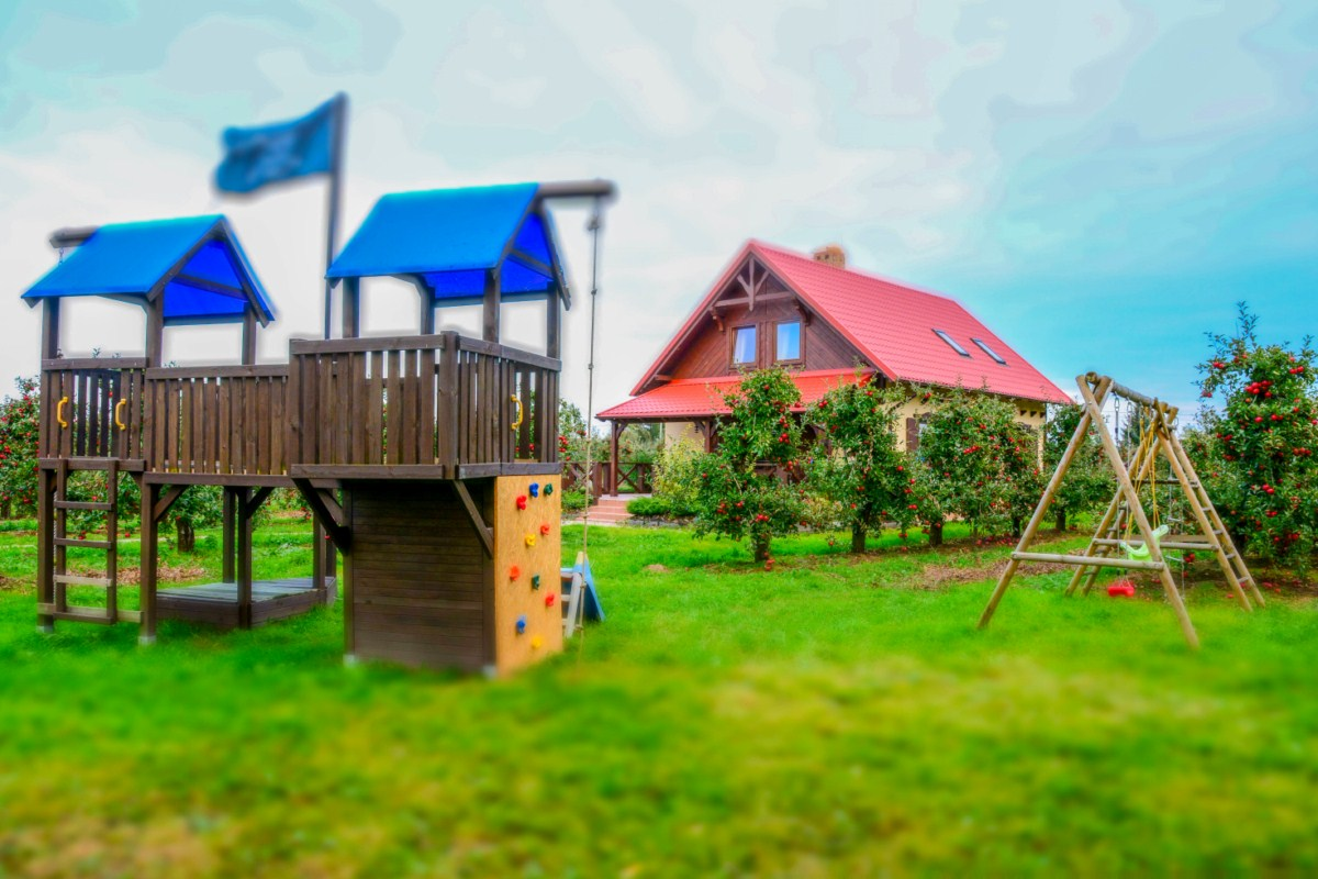 plac zabaw dla dzieci dworek czersk