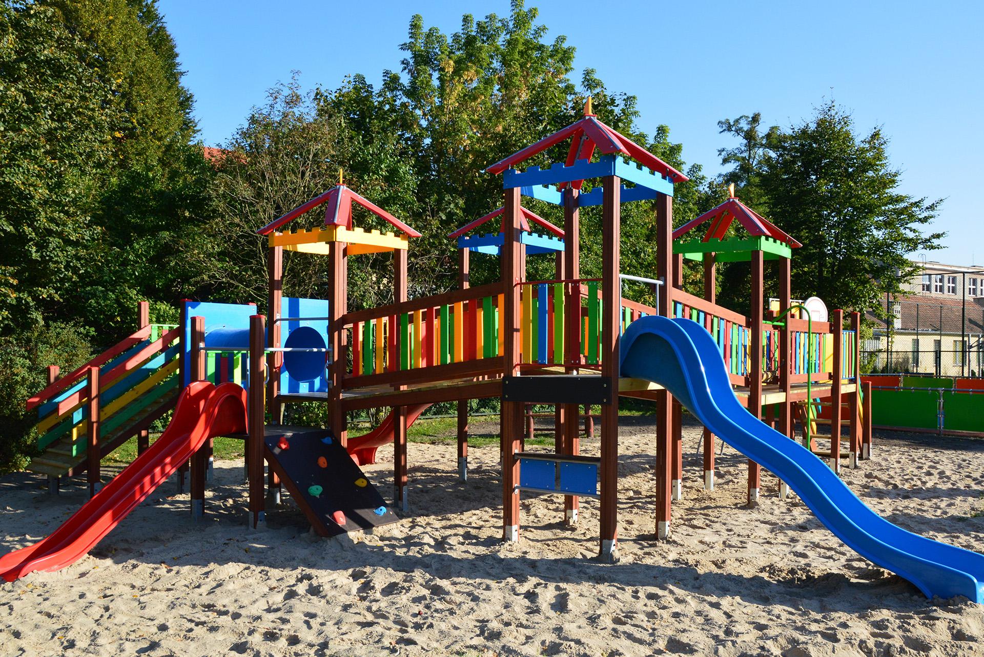 plac zabaw dla dzieci w pile