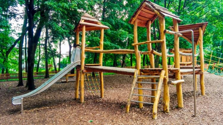 plac zabaw w parku zadole w Katowicach