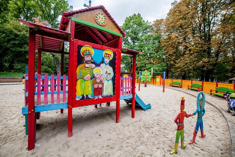plac zabaw dla dzieci łazienki królewskie warszawa